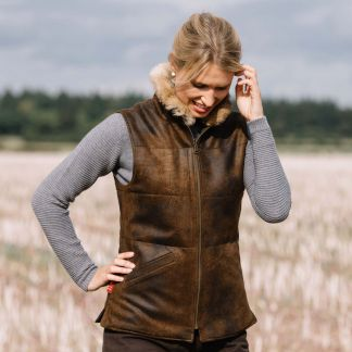 Cordings T. Ba Reversible Gilet with Fur Collar Different Angle 1